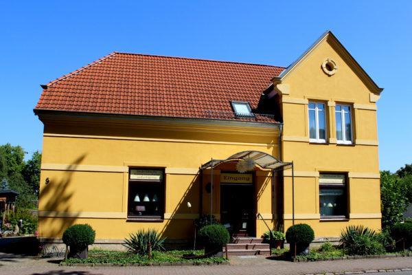 Das Gebäude der Lampenschirmwerkstatt Barten in der Schefestrasse 5 in 21493 Schwarzenbek - Werkstatt für Lampenschirme