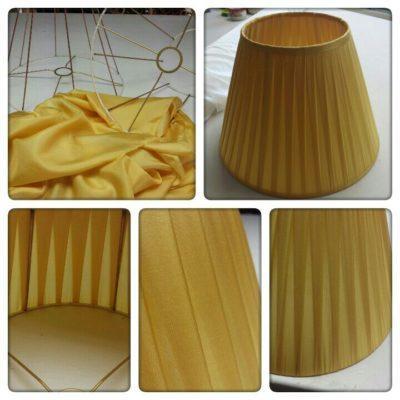 Plissierter Lampenschirm in frischem gelb und farblichen passendem Innenfutter.